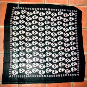foulard noir tete de mort.