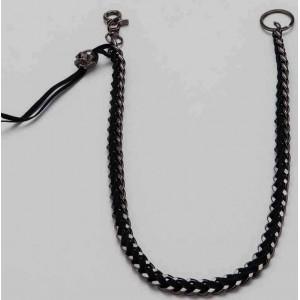 Chaine portefeuille mailles plates chrome et cuir noir, finition par tête de mort.
