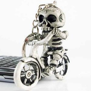 Porte clés smoking skull